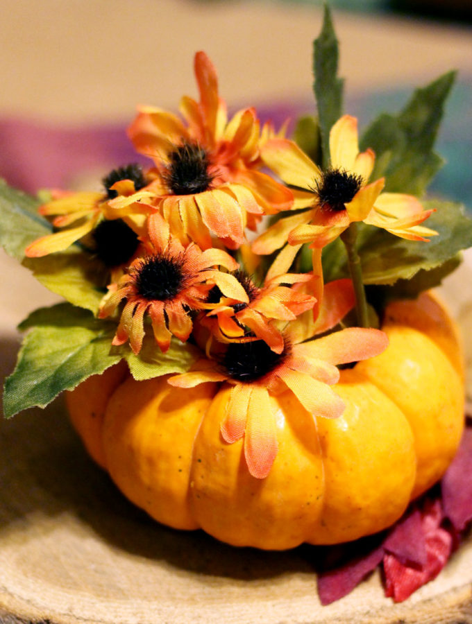 Simple Fall or Thanksgiving Table Decorations